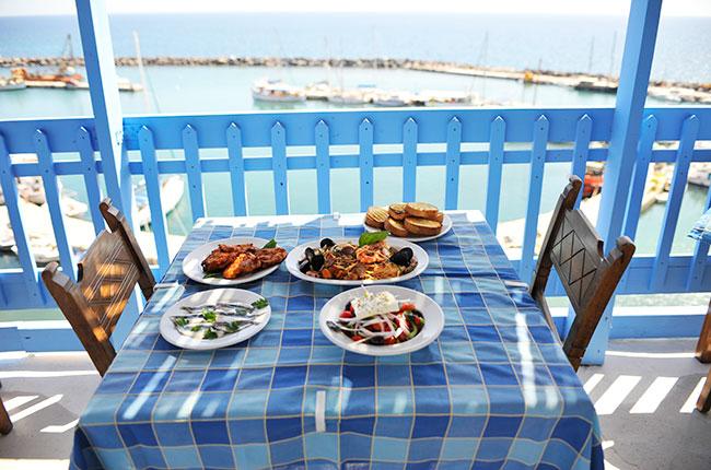 24 hours in Santorini