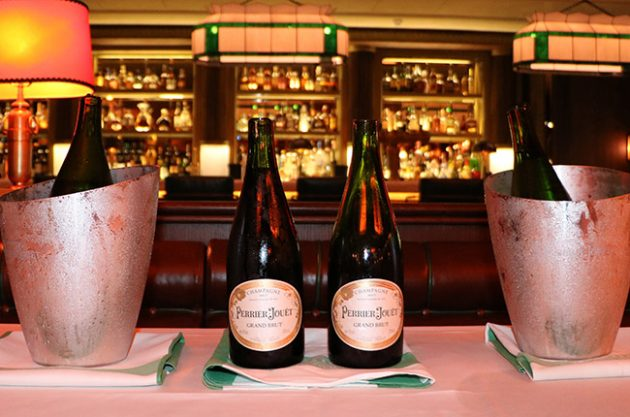 Sabre Champagne