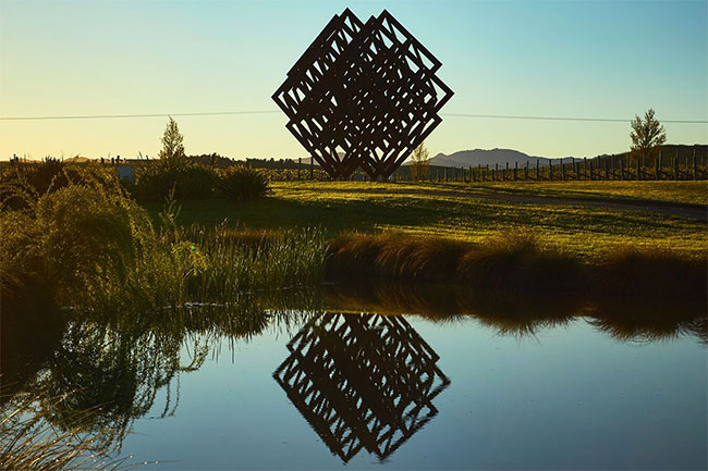 brancott estate sculpture, marlborough