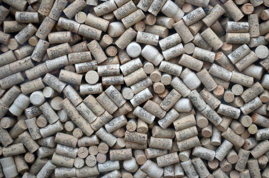 wine cork breaks