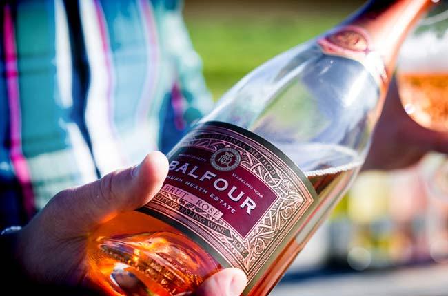 english sparkling wine vs champagne rosé