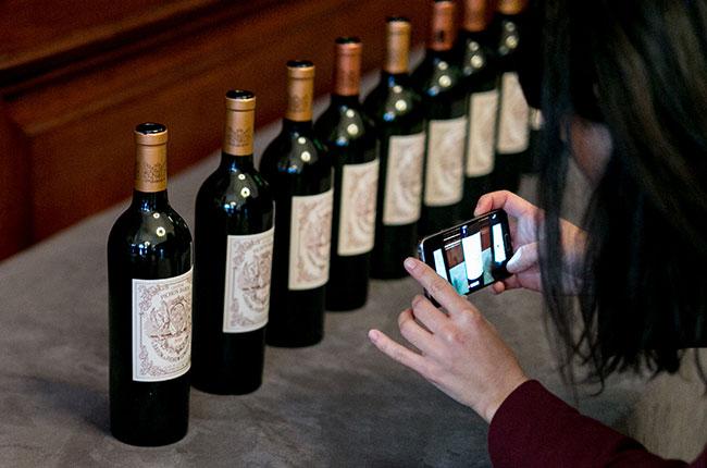 wine label drinkers