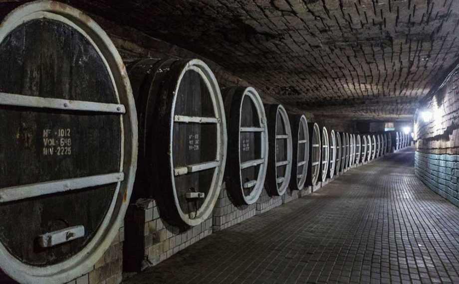 Moldova Wine Run 10k Race Held In Cellar Decanter