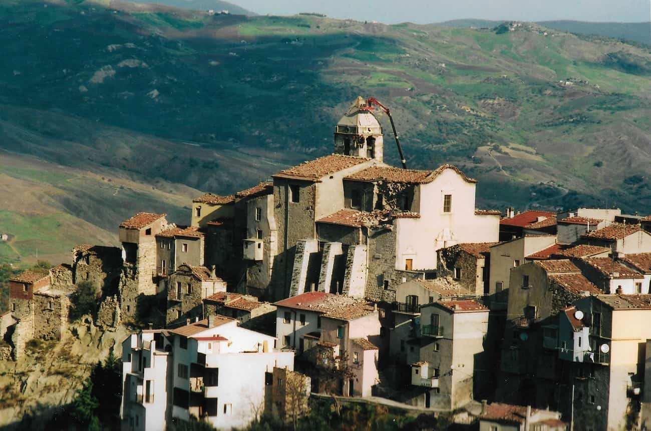 Italian region Molise offers money to newcomers - Decanter