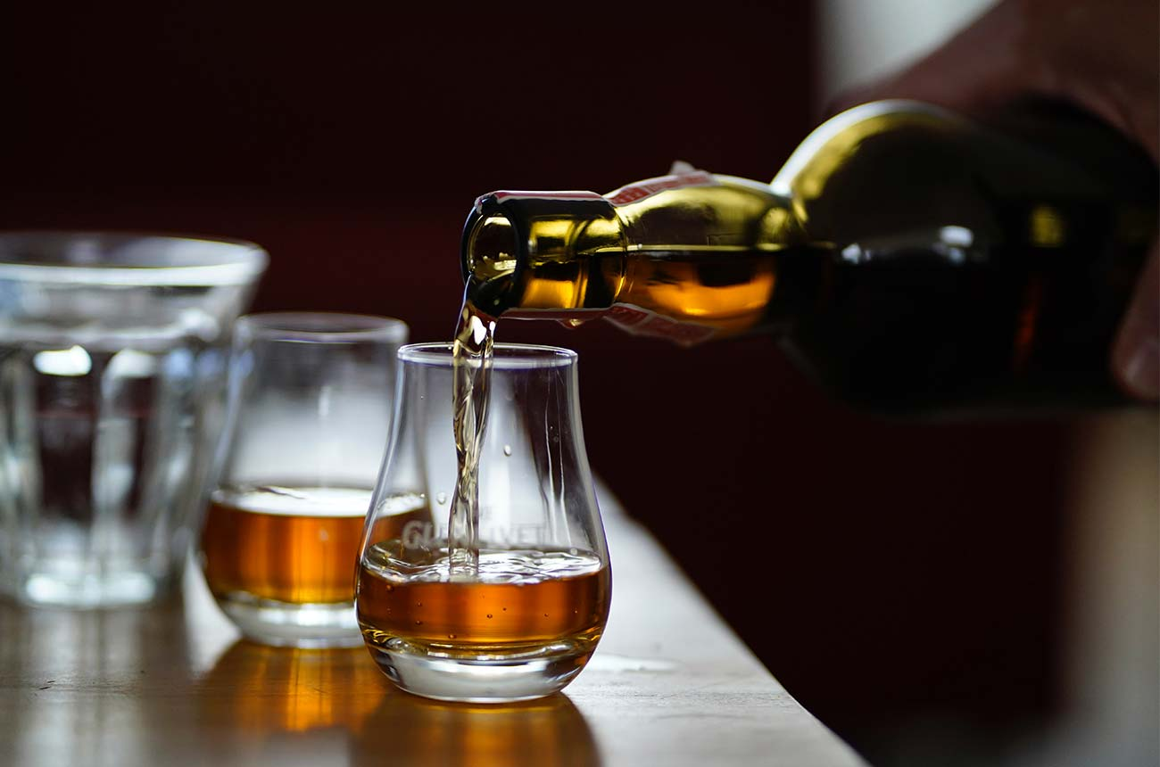 US tariffs overshadow Scotch whisky exports rise - Decanter