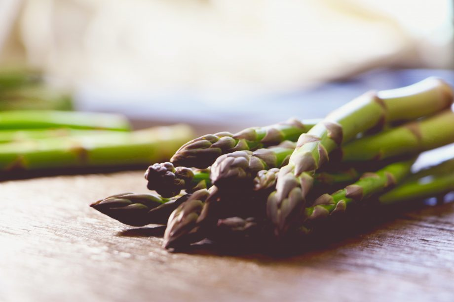 wine with asparagus