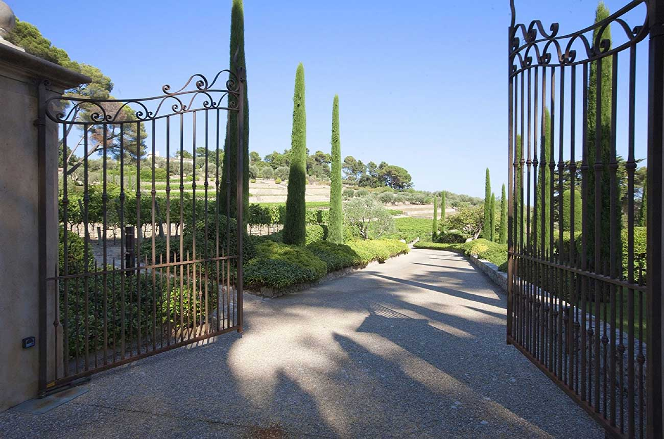 Idyllic Provence vineyard estates for sale