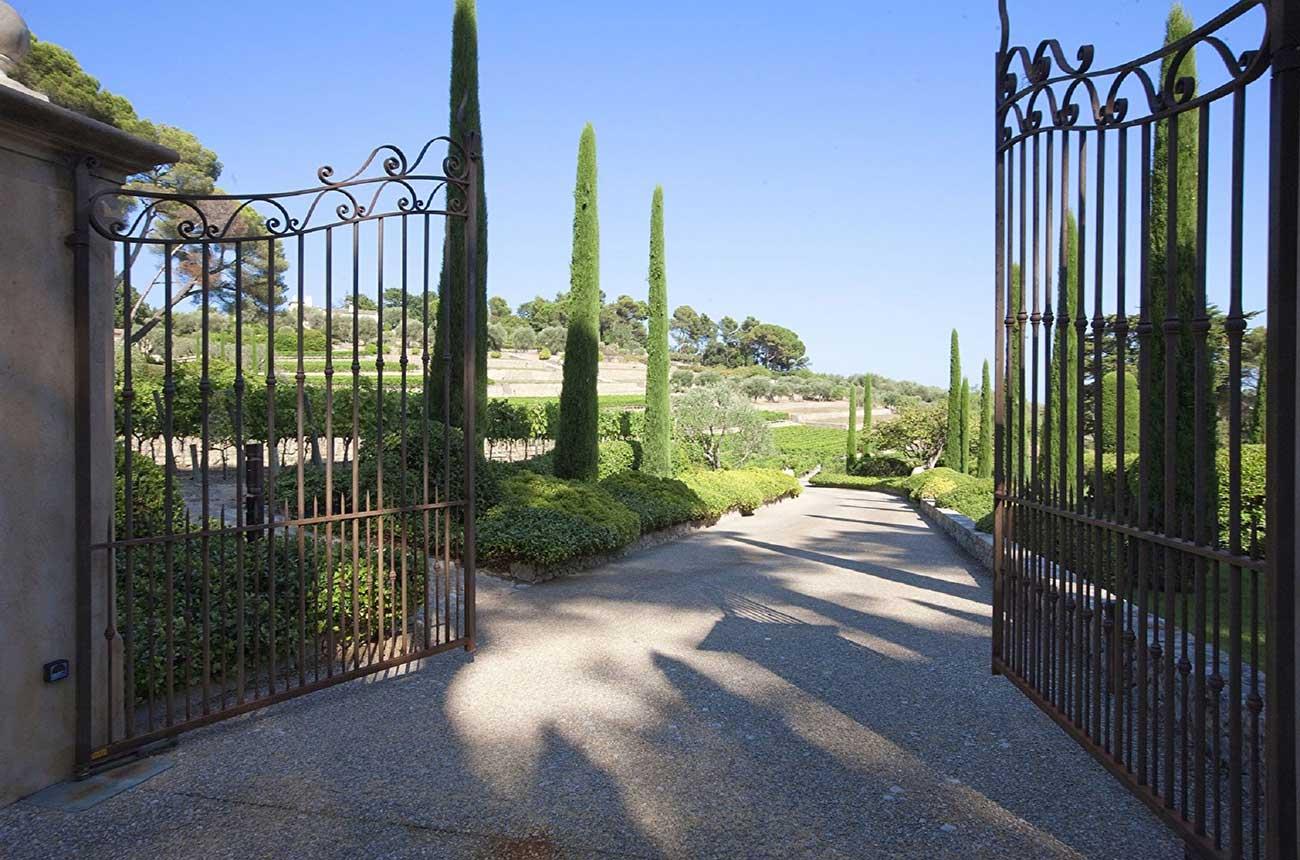 Idyllic Provence vineyard estates for sale