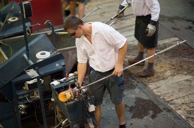 Riedel worker