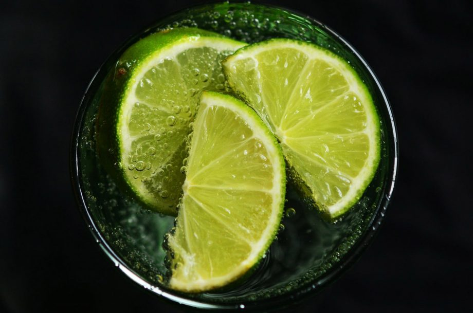 Black friday fruit gins; gin and limes