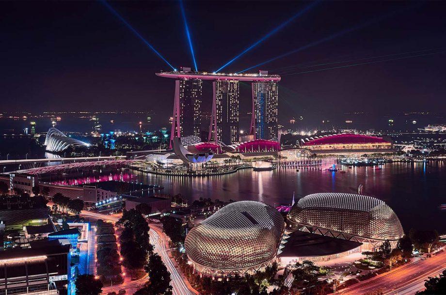 View of Marina Bay in Singapore at night