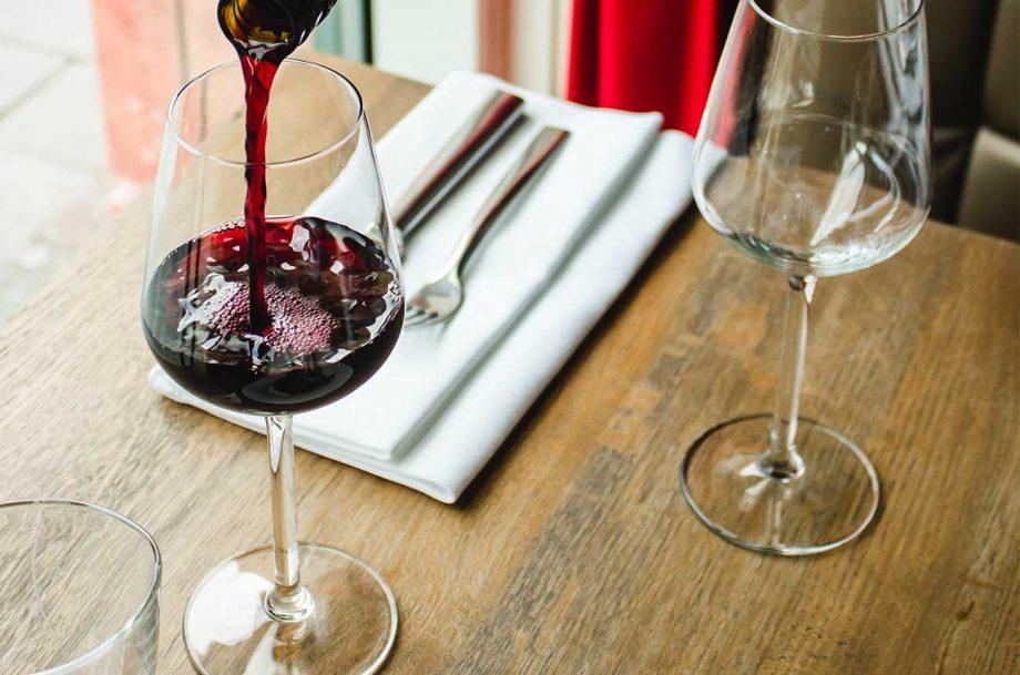 Bordeaux wine food