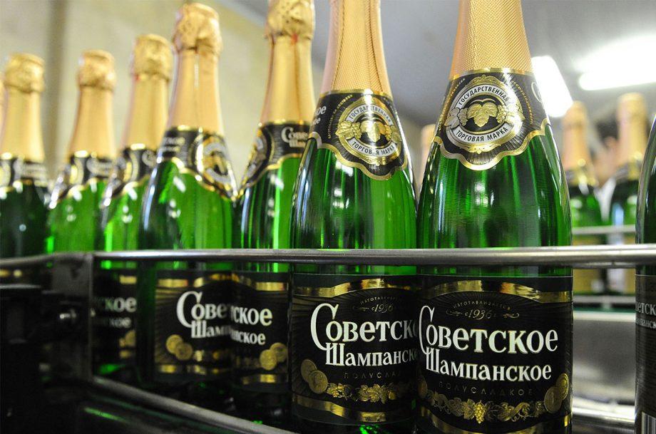 Shampanskoye bottling line at Kornet, a Moscow-based champagne winery