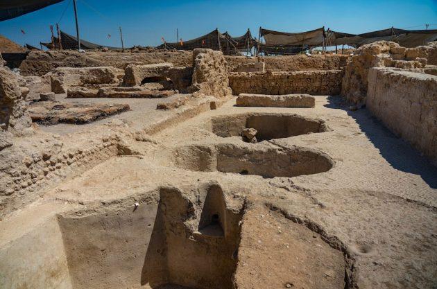 Prensas de vino descubiertas en una bodega de 1.500 años en Israel.