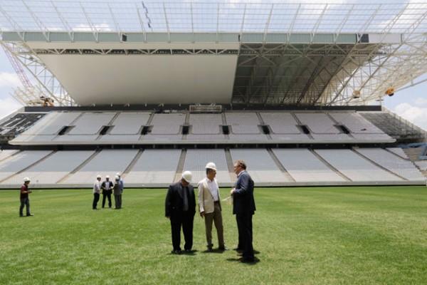 Aldo Rebelo, Brazil Sports Minister, left, and Jerome Valcke