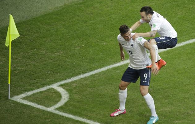 Valbuena celebrates with Giroud