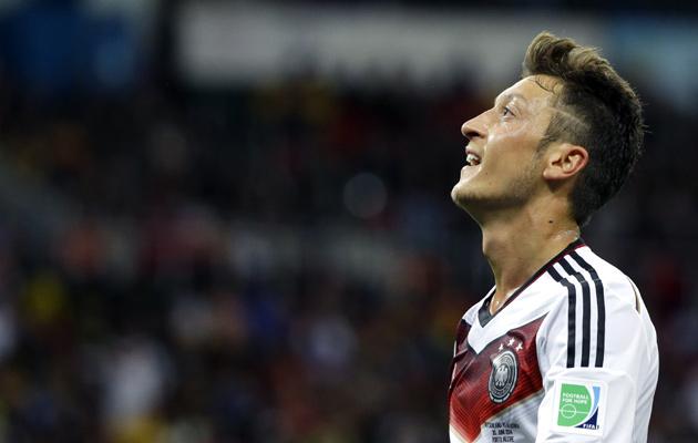 Mesut Ozil Germany Algeria