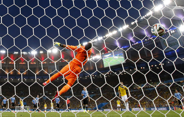 rodriguez-first-goal-urugua
