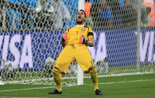 Holland 0-0 Argentina (Argentina 4-2 on pens)