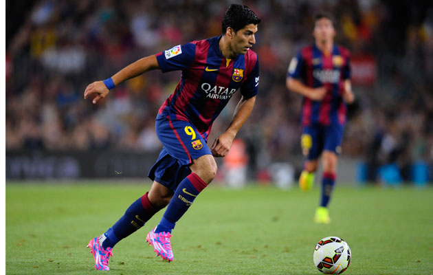Luis Suarez scores his first goal in Barcelona colours