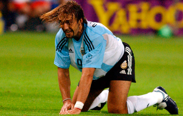 Gabriel Batistuta asked for legs to be amputated