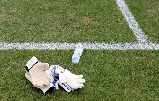 Taking the p*ss...Swiss goalkeeper drinks urine