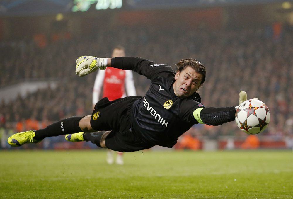 Arsenal v Borussia Dortmund - UEFA Champions League Group Stage Matchday Five Group D