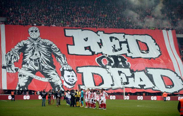 Liege fans banner Steven Defour