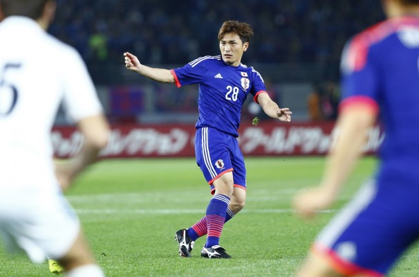 Aoyama hits first time 30-yard volley against Uzbekistan - World Soccer
