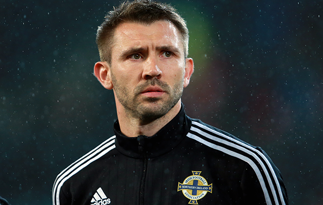 The 40-year old son of father (?) and mother(?) Gareth McAuley in 2020 photo. Gareth McAuley earned a million dollar salary - leaving the net worth at million in 2020