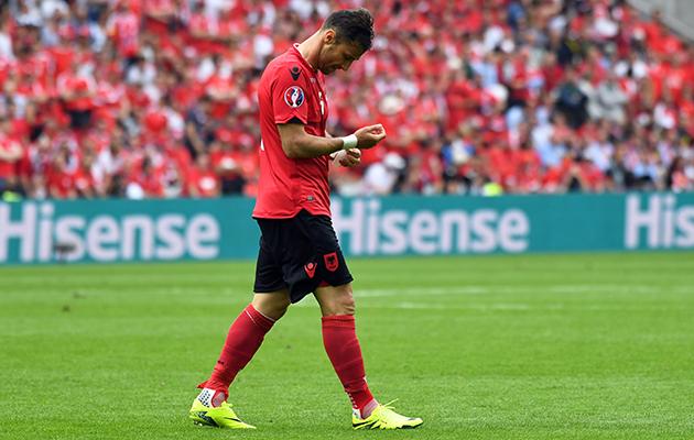 Lorik Cana red card