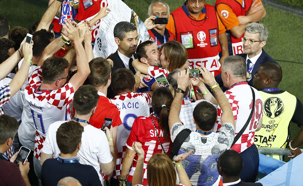Football Soccer - Croatia v Spain - EURO 2016 - Group D - Stade de Bordeaux, Bordeaux, France - 21/6/16 Croatia's Darijo Srna celebrates at the end of the match REUTERS/Regis Duvignau Livepic