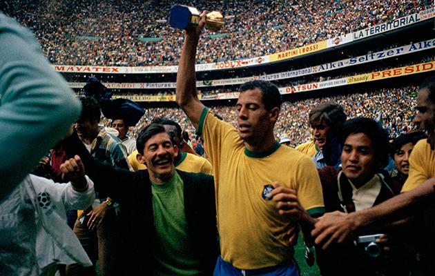 Legendary Brazil captain Carlos Alberto dies aged 72