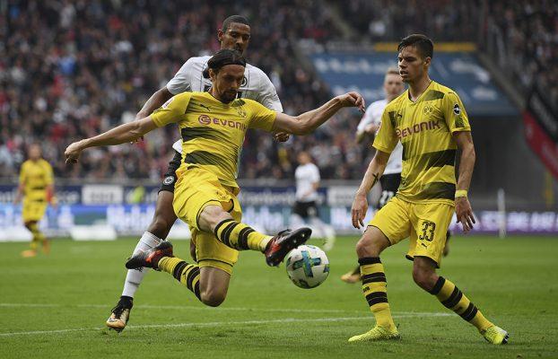 Catatan Nick Bidwell dari Jerman: Dortmund dalam bahaya datang dari rel