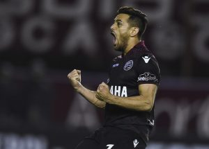 Tim Vickery's Notes from South America: Tim Vickery's Notes from South America: Lanus pin their Libertadores hopes on Messi's former team-mate