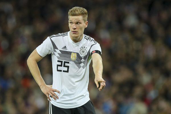 Catatan Nick Bidwell dari Jerman: Halstenberg menambah pilihan tim nasional setelah debut yang mengesankan