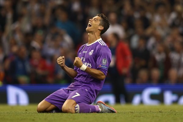 Ronaldo leads Real Madrid's clean sweep of World Soccer awards