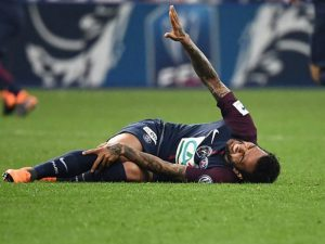 Dani Alves Injury Opens the Door for Another Right-back