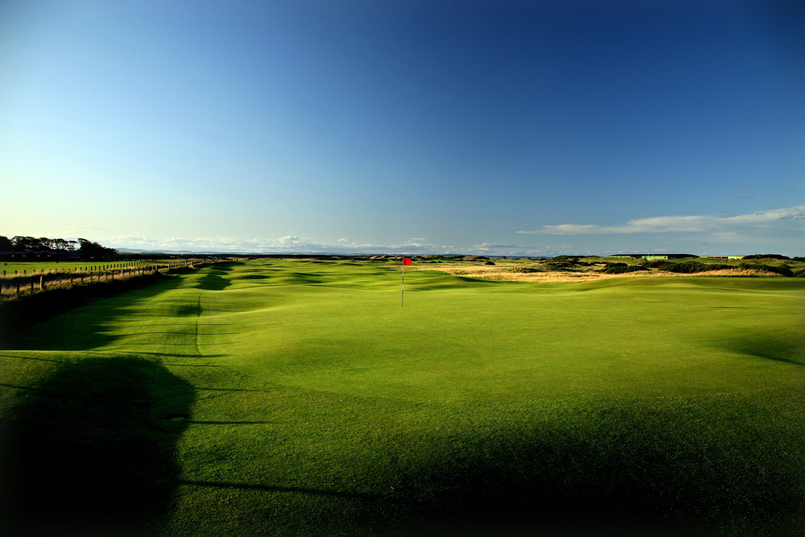 Hole 16, St Andrews Old Course, Corner of the Dyke