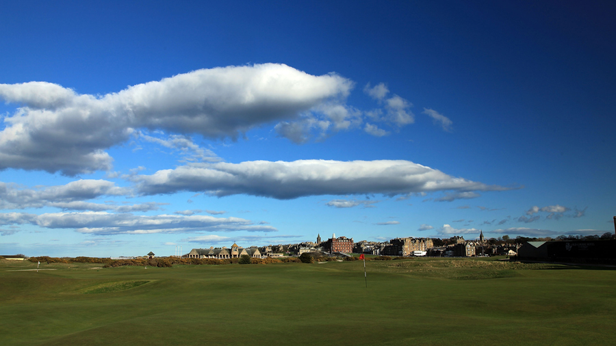 Hole 17, St Andrews Old Course, Road