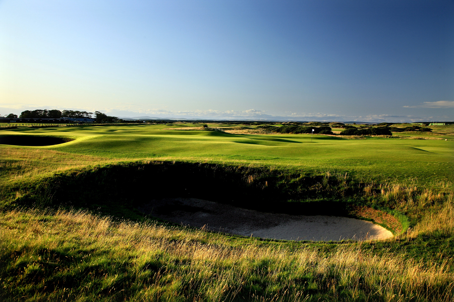 Hole 2, St Andrews Old Course, Dyke