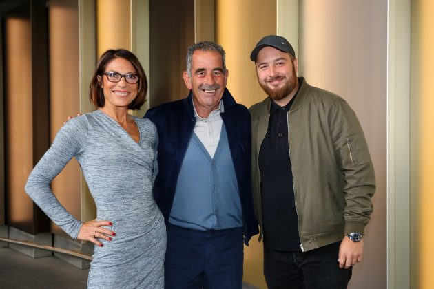 Sam Torrance poses with his wife Suzanne Torrance and son Daniel Torrance