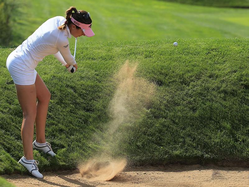 Hotties golf Holly Sonders