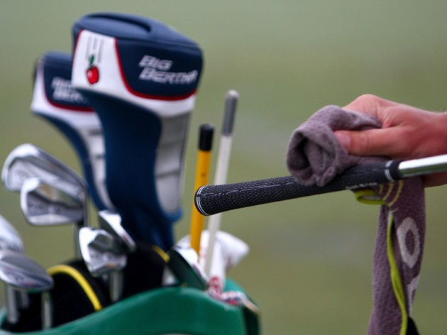 clean your golf clubs
