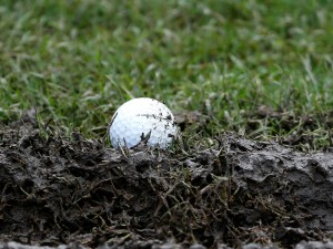 how to chip from a muddy lie