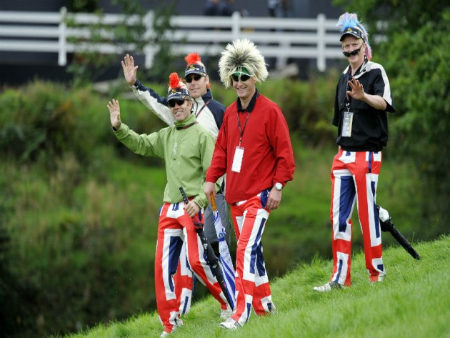 Best golf crowd outfits