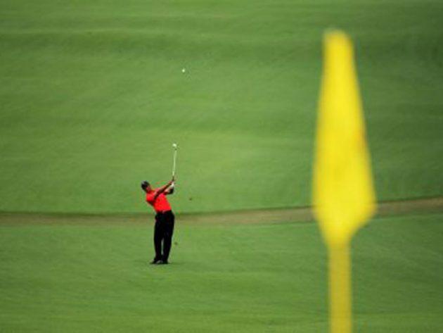 Bernhard Langer Augusta National Course Guide: Hole 2