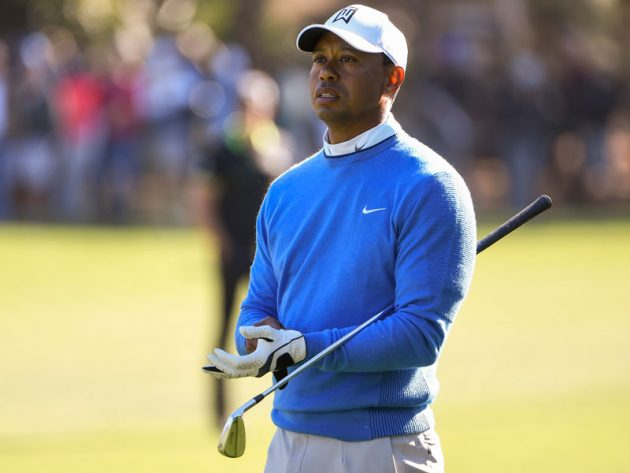 You Won't Believe How Many Gloves Tiger Woods Carries…