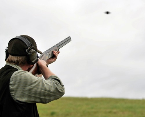 read a clay target