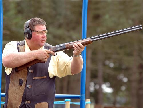 George Digweed clay pigeon shooting.JPG